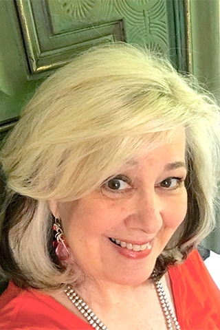 General Finishes 2017 Flippin Furniture Expo Presenter Debbie Dion Hayes